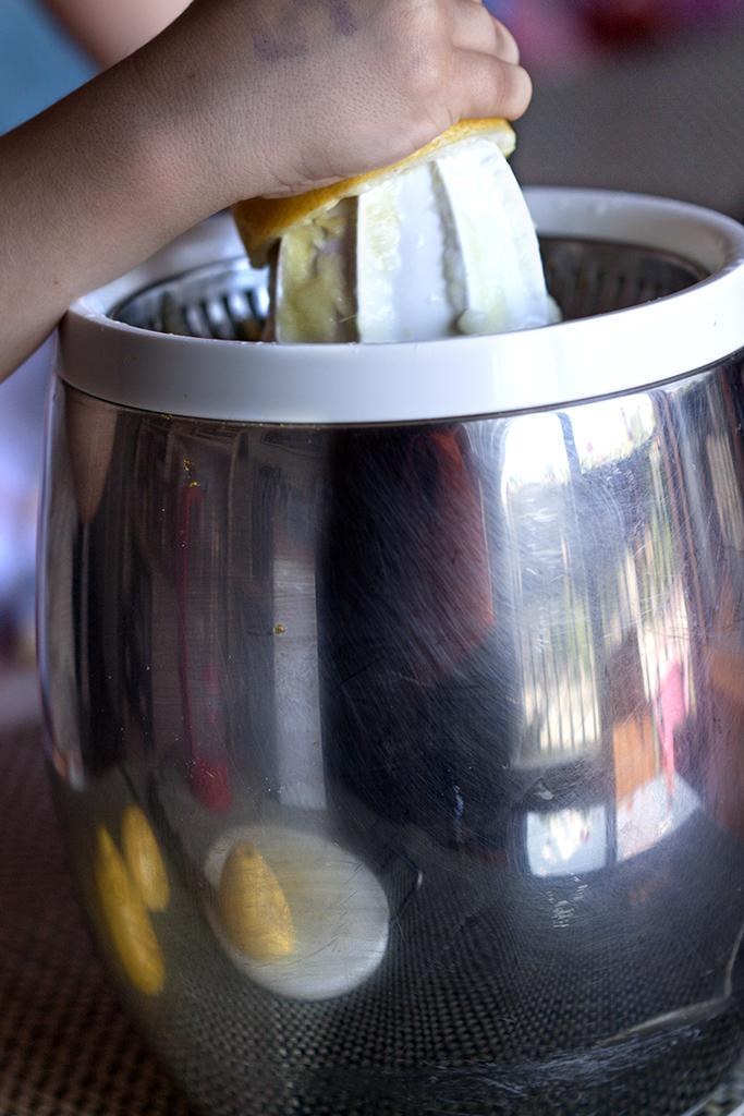 exprimiendo limón-1